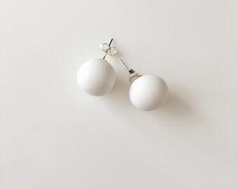 White Stud Earrings, Round Earrings, Geometric Earrings, Chunky Earrings, Minimalist Earrings, Polymer Clay, Stud Earrings, Boho Earrings