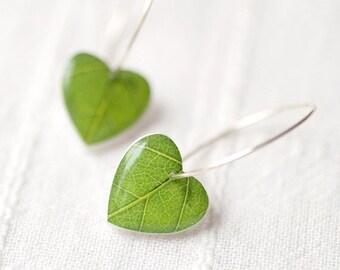 Green leaf earrings, Nature Earrings, Heart Earrings, Green dangle earrings, Botanical jewelry, Resin earrings, Green dangling earrings