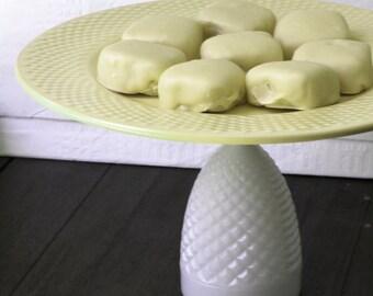 Cake Stand in Pastel Yellow / Dessert Pedestal for Marshmallows / Marshmallow Platter Pedestal Marshmallow Stand / Yellow Cake Stand