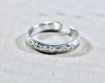 Silver Toe Ring with Decorative Southwestern Pattern in solid 925 Sterling Silver - TR252