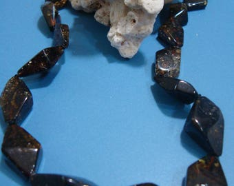 Amber necklace from amber in the form of crystals