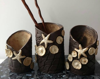 Beach toothbrush holder vanity set. Small black white ocean floor, coral reef fishnet vase. Coastal decor sculpture. Functional ceramic art