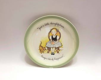 "Holly Hobbie Collector's Edition 1972 Vintage Plate- ""Just a little thoughtfulness brings a lot of happiness"""