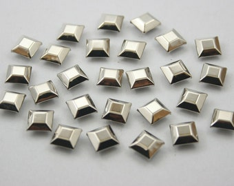 100 pcs Silver Tone Faceted Square Rivets Studs Decorations Findings 8 mm.  DHRN8