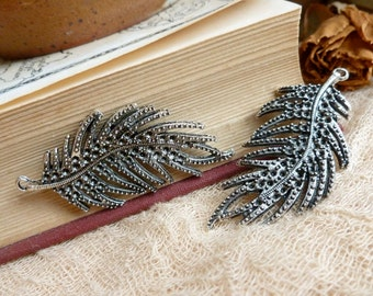 2x Feather Leaf Charm, Antique silver Necklace Pendants C271
