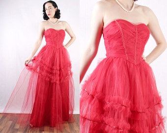 """50s Red sweetheart prom dress tulle sequins ruffles evening gown pinup glamour retro rockabilly Christmas Valentines Day 24"""" waist XS"""