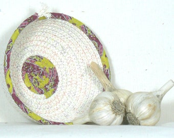 Garlic Storage, Garlic Holder, Garlic Basket, Garlic Keeper, Garlic Container, Onion Basket, Kitchen Basket, Coiled Rope Basket