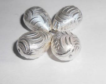 Silver teardrop shaped Bead 20 x 14 mm. (9252097)