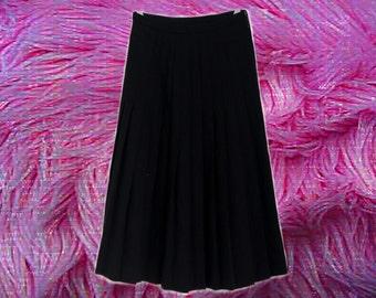 70s/90s Black Pleated Midi Skirt