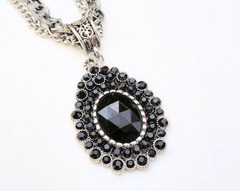 Black Rhinestone Necklace, Multi Chain Necklace, Black Rhinestones, Vintage Style, Black Pendant, Silver Chains, Elegant, Special Occasion