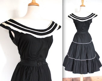 Vintage 1950s Dress // 40s 50s Black and White Patio Dress with Eyelet Trim // DIVINE