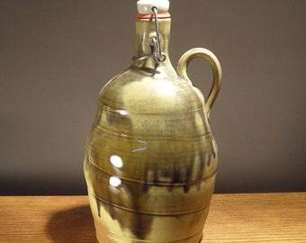 Ceramic Beer Growler , Handmade stoneware pottery flip top 64oz Beer Growler, Father's Day Gift