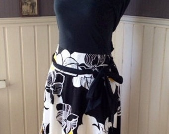 Cotton Bold-Print Skirt with Tie-Belt