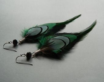 Long green boho feather earrings - Dark green jewelry - Bohemian accessories - Summer fashion - Festival jewelry - Free spirit style jewelry
