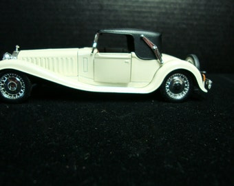 REDUCING Bugatti Royale Model Car  Made in Italy
