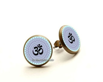 Om earrings, Om jewelry, yoga earrings, yoga jewelry, meditation earrings, Om jewellery, Hypoallergenic Earrings
