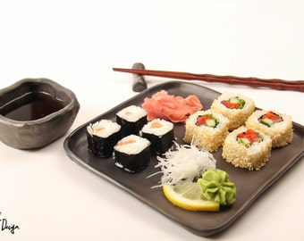 Black pottery sushi set