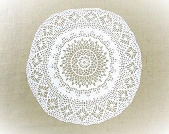 Vintage Doily Crochet Lace Antique Doilie Centerpiece Vintage Vanity Table Linens Shabby Chic Cottage Decor Vintage Linens