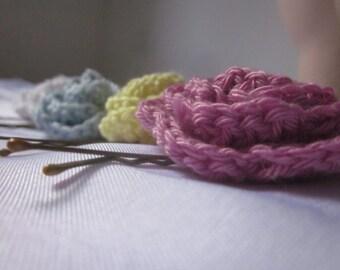 Rose hairpin, rose accessory, crocheted rose hairpin, gift for girl, crochet flower haiirpin