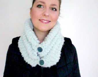 Hand knitted neck or collar
