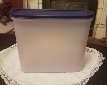 Tupperware Modular Mate container Navy blue lid