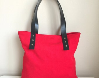 Red Canvas Bag,Red Canvas Tote,Zippered Canvas Tote,Leather Strap Tote,Canvas Weekend Bag,Red Shoulder Bag,Red Handbag,Gift For Her,Red Bag