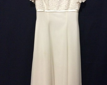 Gorgeous size 10-12 Wedding Gown