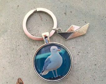 Key fob Seagull with paper boat