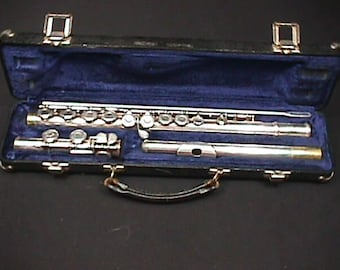 Aemstrong Silver Plated Flute Model 104 in it's Original Case & Ready to Play as-is  14 F