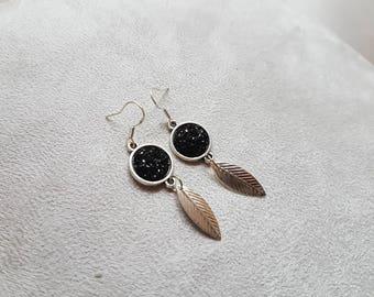 chic black leaf post earring