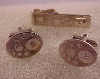 Vintage Gold-plated Cuff Links and Tie Clip Set