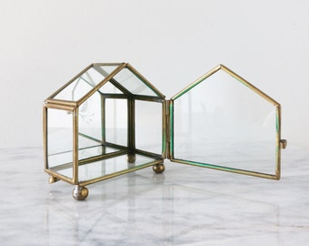 Vintage Glass House, Glass Box, Air Plant Holder, House Figurine, Home Decor, Housewarming Gift, Lake House Deco, Trinket Holder, Boho Decor