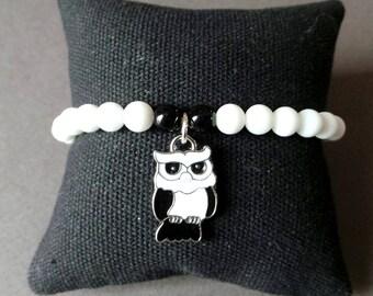 Bracelet perles de verre et pendentif chouette
