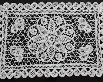 Vintage rectangle cream battenburg lace doily
