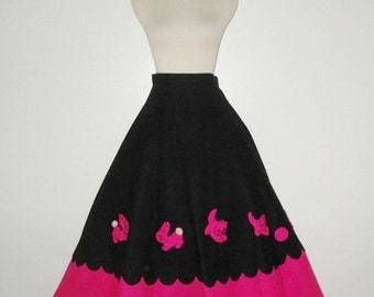 Vintage 1950s Felt Novelty Skirt / 50s Black & Pink Felt Animal Novelty Print Skirt / 50s Felt Applique Animal Skirt - Size S, M