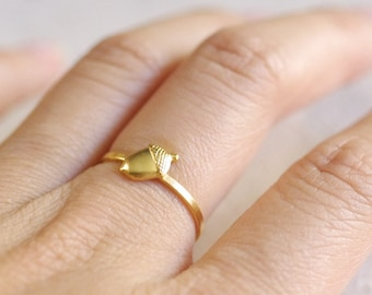 tiny acorn ring . acorn stacking ring . silver acorn ring . gold stackable acorn ring . acorn jewelry . woodland jewelry . oak ring