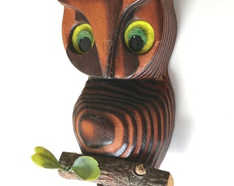 """Vintage hand carved wood owl on branch yellow or green eyes carving ribbed 6.5"""""""