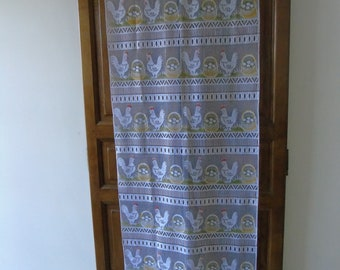 French vintage single white panel curtain.  Featuring chickens and basket of eggs.  Delicately coloured.  Cutable.