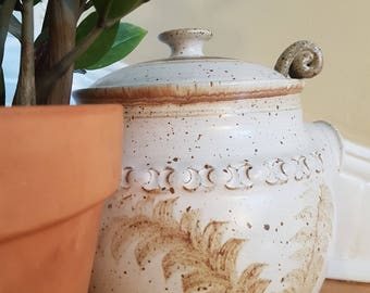 Vintage studio pottery tureen, studio pottery, ironstone tureen, ironstone serving bowl, studio pottery 1980