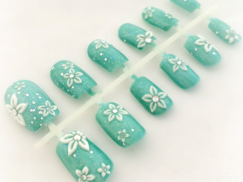 Hermosa Las Uñas De Color Azul Naranja Viñeta - Ideas Para Pintar ...