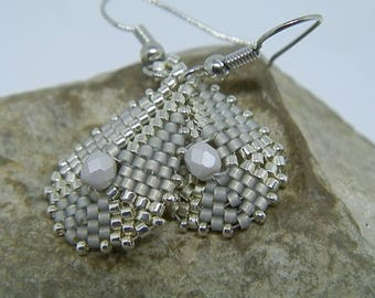 Gray and silver beadwoven earrings