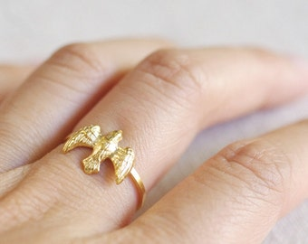 flying bird ring . simple dove ring . tiny bird ring . dove jewelry . bird jewelry . bird on a wire . woodland jewelry // 4DOVE