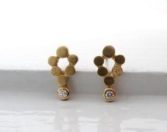 18 kt or et diamant mini post boucles d'oreilles chandelier, diamant boucles d'oreilles, boucles d'oreilles clou en or, bijoux en or recyclé