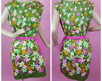années 1960 ANDRADE Resort boutiques Floral Hawaiian robe rose Vintage jaune avec une écharpe pure