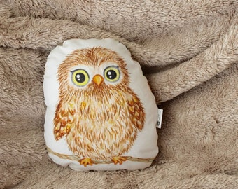 Owl pillow. Woodland animal pillow. Woodland nursery decor. Owl nursery decor. Gift for baby shower. Woodland kids room decor. Gift for kids