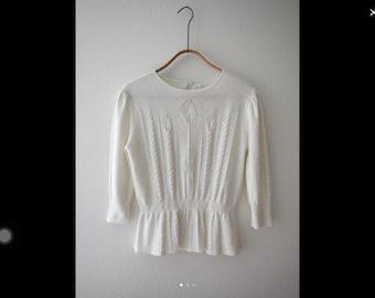 White lightweight knit M/L