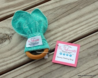 Sensory Teething Ring/ Wooden Teething Ring/ Teal/ Feathers/ Boho Chic/ Hipster/ Baby Shower Gift/ Baby Gift/ Boho Baby/ Teething Baby/ Baby