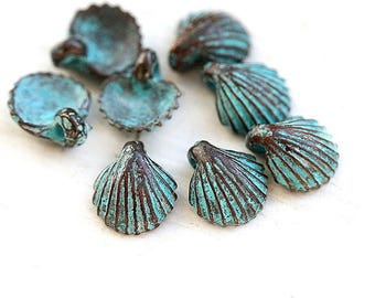Small shell charms Green patina seashell beads Copper shell Greek metal casting nautical charms tiny seashells 9mm - 8Pc - F033