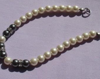 Retro White & Grey Faux Pearl Rhinestone Rondelle Beaded Bracelet