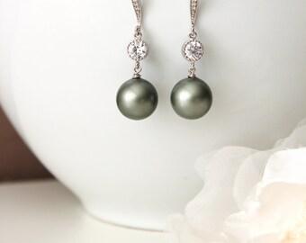 Sage Green Pearl Drop Earrings Spring Wedding Jewelry Green Bridesmaid Earrings Dangle Earrings Wedding Earrings Bridesmaids Gifts